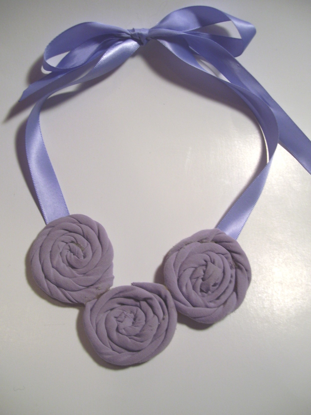Flower Necklace Upcycled Tee Shirt Diy Craft Ideas And Tutorials
